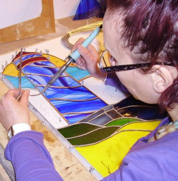 Soldering masterclass with Vitreus Art - improve your copper foiled stained glass projects with better soldering